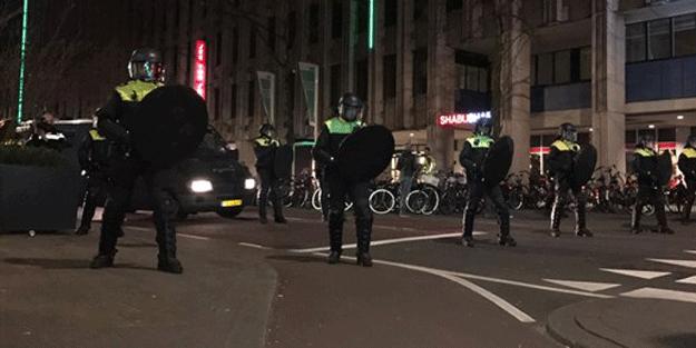 Türkiye'nin bakanlarını engellediler ama… İkiyüzlü Hollanda'dan çifte standart!