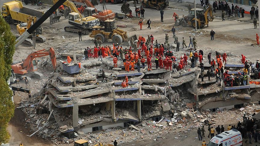 Türkiye'nin deprem tarihi kitap oldu