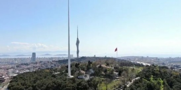 Türkiye'nin en uzun bayrak direği Çamlıca'ya yerleştirildi