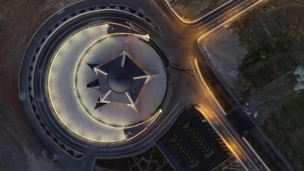 Türkiye'nin ilk ay yıldızlı camisi...! Böylesi başka yerde yok