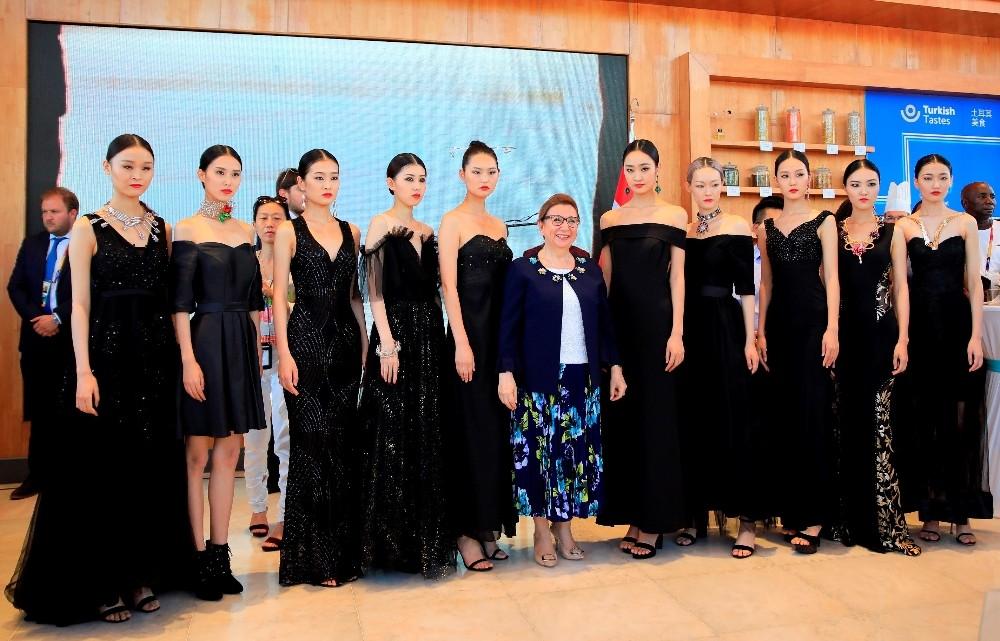 Türkiye'nin Ödüllü Mücevherleri, Çinli modellerin defilesiyle tanıtıldı