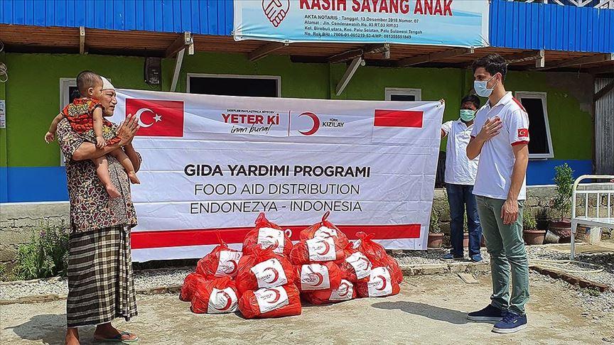 TürkKızılay'dan Endonezya'da gıda yardımı