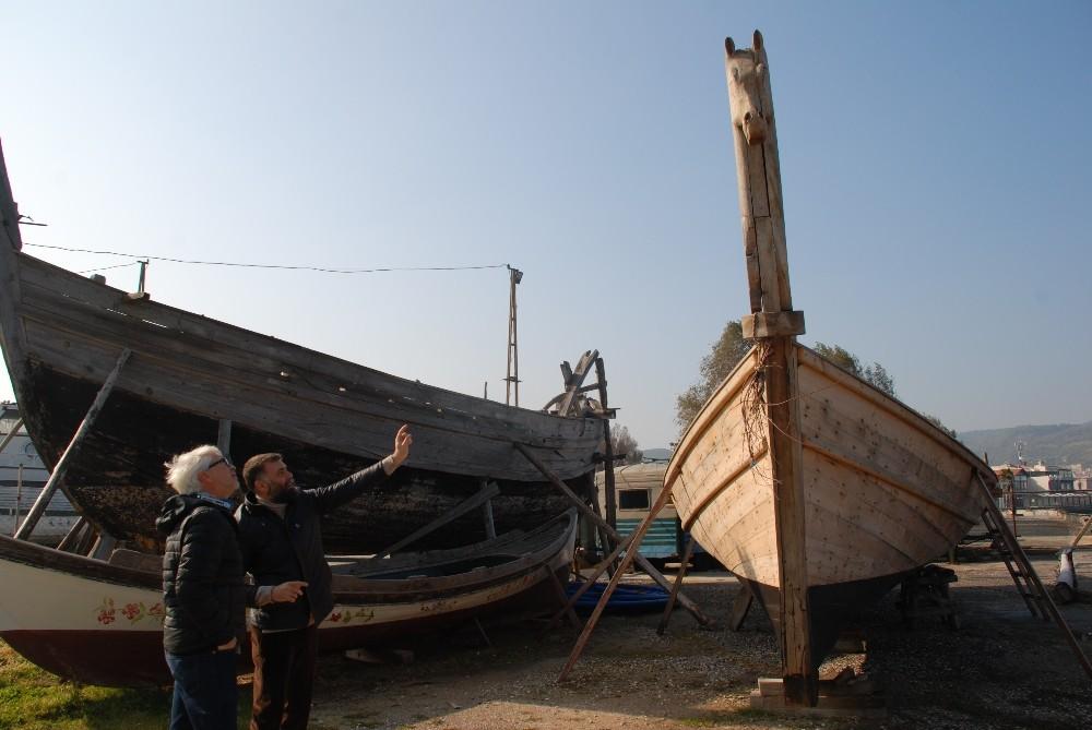 Türklerin yaptığı çivisiz tekne, Almanların Truva belgeselinde kullanılacak