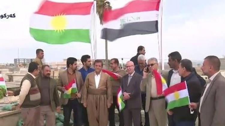 Türkmen kentine Kürdistan bayrağı!