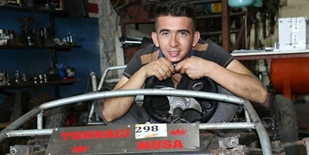 Üç yılda 5 bin TL lira biriktirdi! Hayalinin peşinden koşarak kendi arabasını yaptı