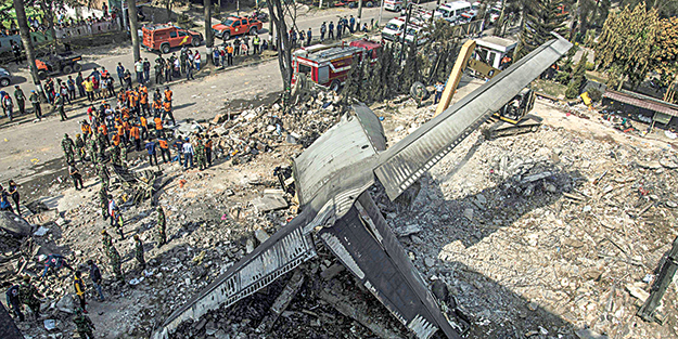 Uçak kazasında ölü sayısı 141'e yükseldi