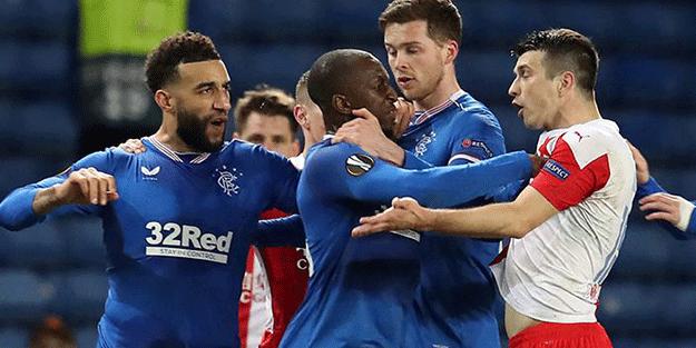 UEFA'dan ırkçılık için tarihi ceza! 10 maç yok