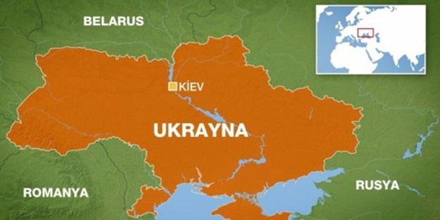 UKRAYNA'DA ARAÇ KALABALIĞA DALDI