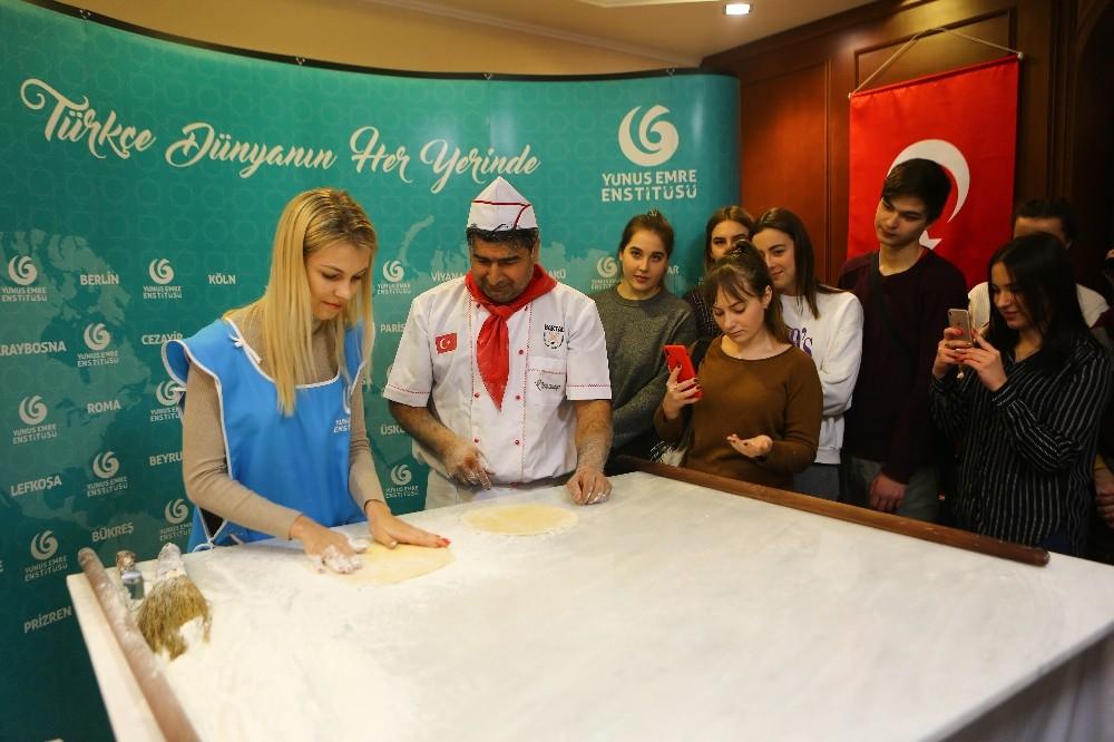 Ukraynalılar baklavaya hayran kaldı