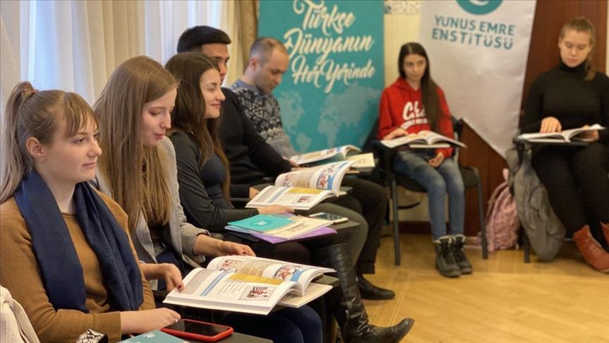 Ukraynalılar Türkçe derslerine ilgi gösteriyor
