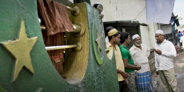 Ülkede ibadethaneler tehlike altında! Müslüman ve Hristiyanlara çağrı yapıldı