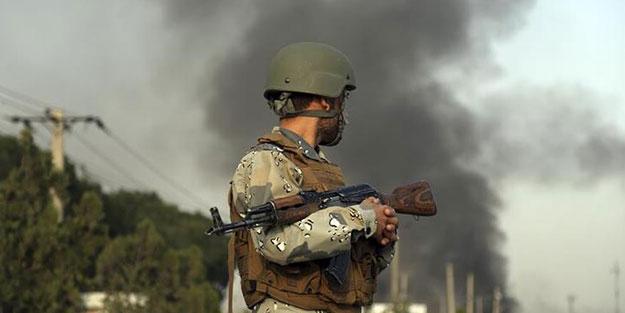 Ülkede korucu komutanın cenaze törenine saldırı! Çok sayıda ölü ve yaralı var