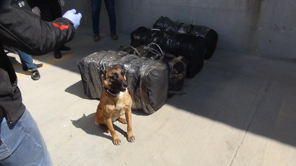 Uluslararası uyuşturucu ticaretine 3 tutuklama