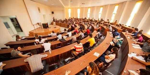 Üniversitelerde yeni akademik yıl ilk dersle başladı