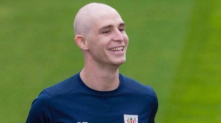 Ünlü futbolcu kanseri ikinci kez yendi!