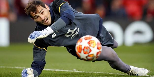 Ünlü kaleci Casillas veda etti
