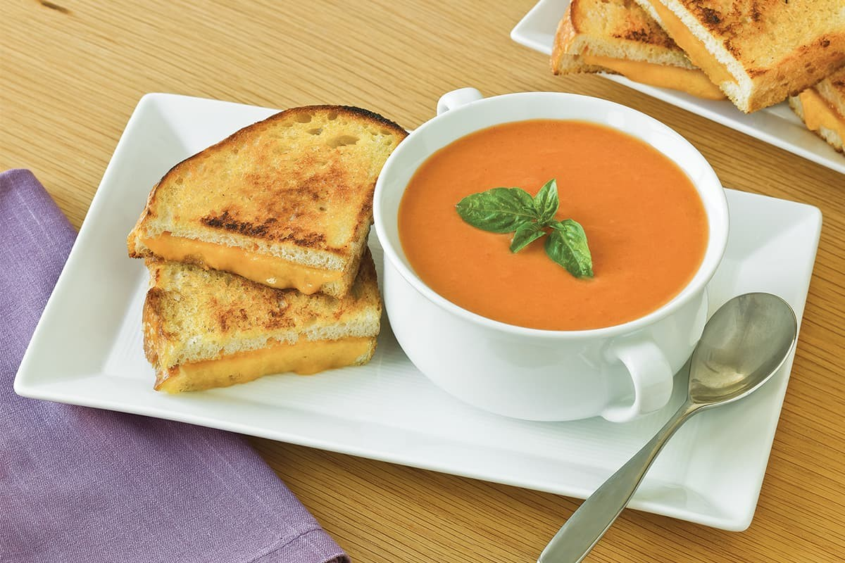 Unsuz sütlü domates çorbası tarifi | Sağlıklı domates çorbası nasıl yapılır?