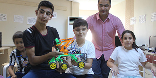 Urfalı gençler yapay zekalı robot yaptı