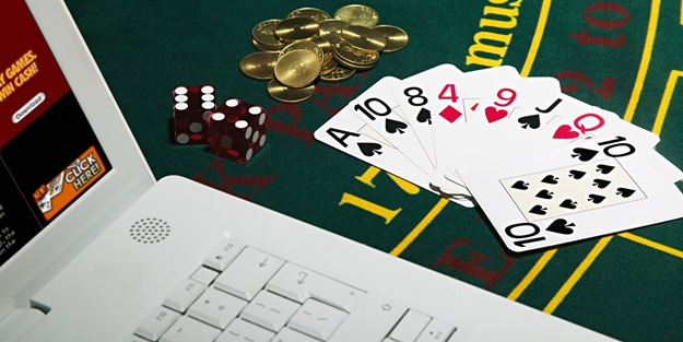 Uşak'ta kumar oynayan 22 kişiye para cezası