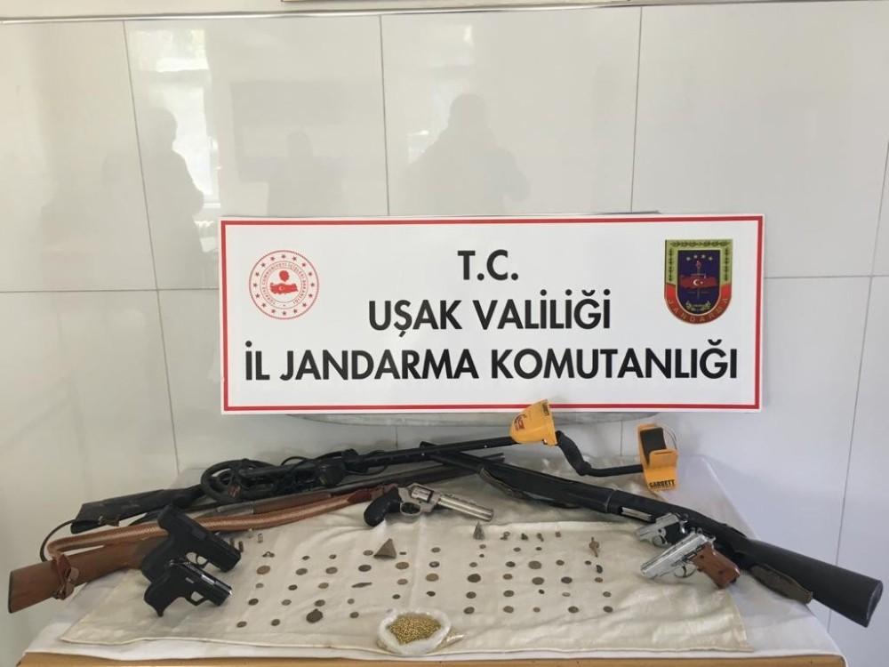 Uşak'ta tarihi eser kaçakçılarını jandarma yakaladı
