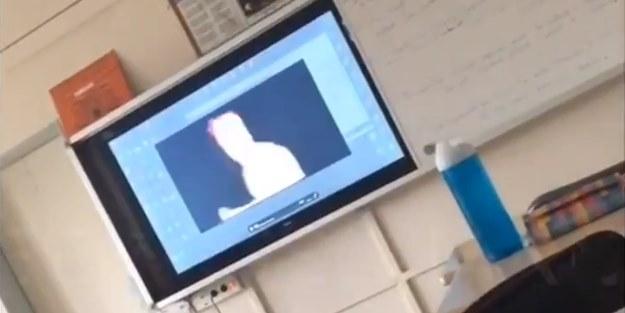 Uygunsuz görüntüleri şikayet eden başörtülü öğrencilere öğretmenden şoke eden azar!