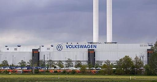 Uygur Türkleri Volkswagen'e tepki gösterdi