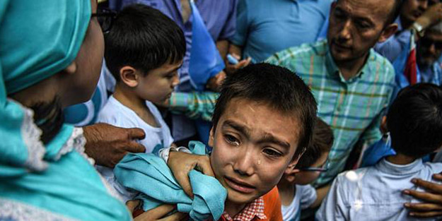 Uygur Türklerine işkence uygulayan Çin'in gizli belgeleri deşifre oldu!