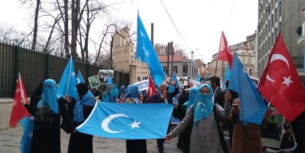Uygurlu Müslümanlar artık ''yeter'' dedi!