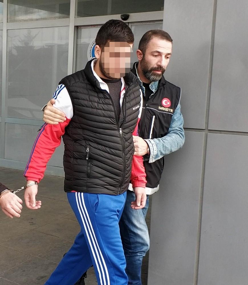 Uyuşturucu hapla yakalanan şahıs mahkemece serbest
