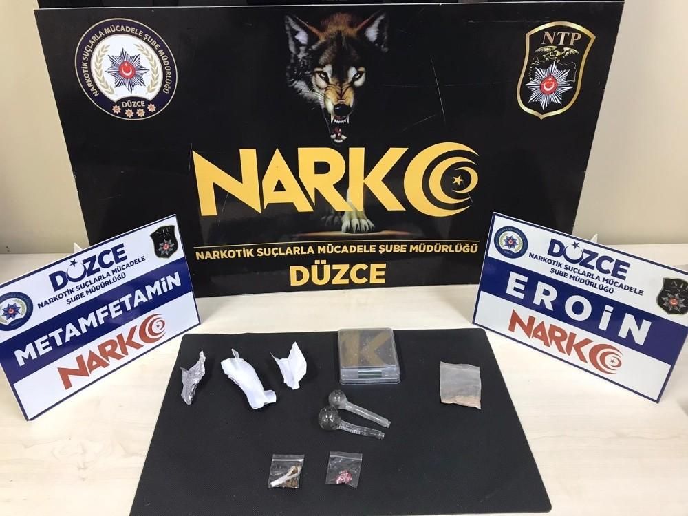 Uyuşturucu madde taşıyan 3 kişi yakalandı