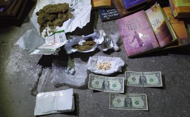 """Uyuşturucu operasyonunda """"1 dolar"""" çıktı"""