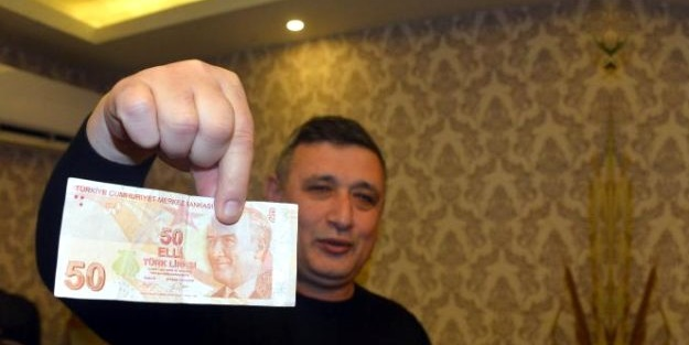 Üzerindeki detayı fark etti! 50 lirayı 50 bin liraya satışa çıkardı