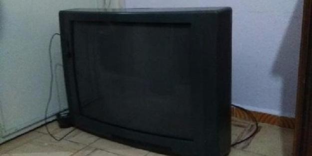 Üzerine televizyon düşmüştü! Kötü haber