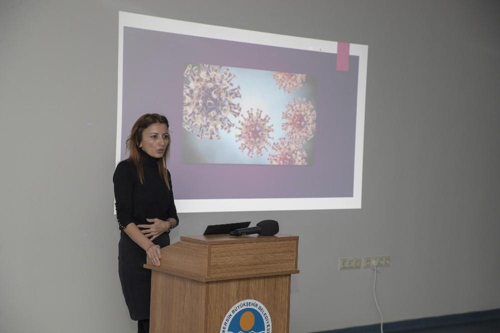 """Uzman Dr. Bakır'dan koronavirüs uyarısı: """"Sarılmayı azaltmamız gerekiyor"""""""