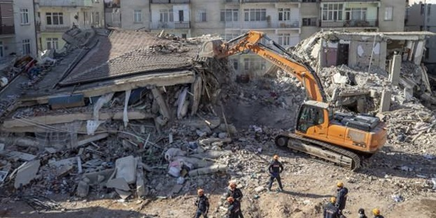 Uzmanlardan korkutan deprem uyarısı! 7 milyona yakın...