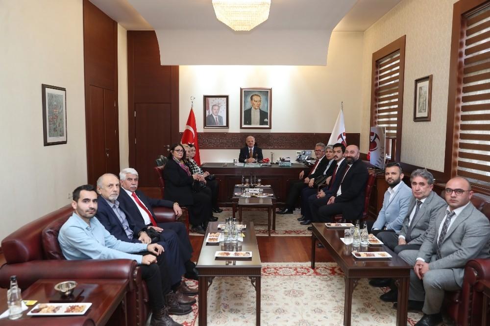 Vali Çakacak CHP İl Yönetim Kurulu üyelerini kabul etti