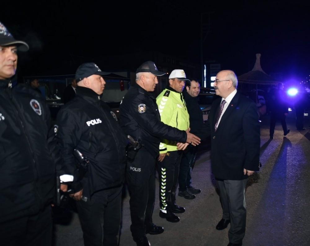 Vali Köşger 2020 yılını güvenlik güçleriyle birlikte karşıladı