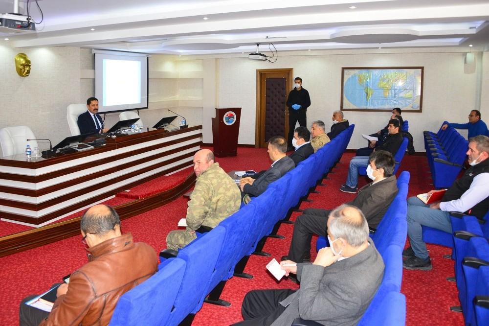 Vali Masatlı başkanlığında korona virüs gündemiyle İl Pandemi Kurulu Toplantısı düzenlendi