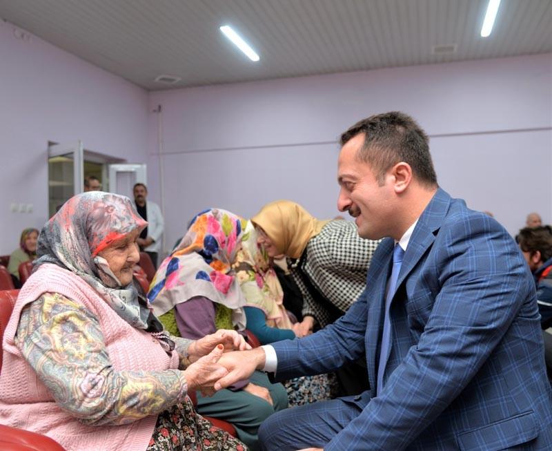 Vali Şentürk'den huzurevi sakinleri ile çocuk ve sevgi evlerine ziyaret