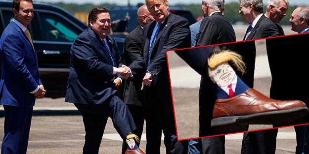Vali yardımcısı, ABD Başkanı'nı Trump çorabıyla karşıladı