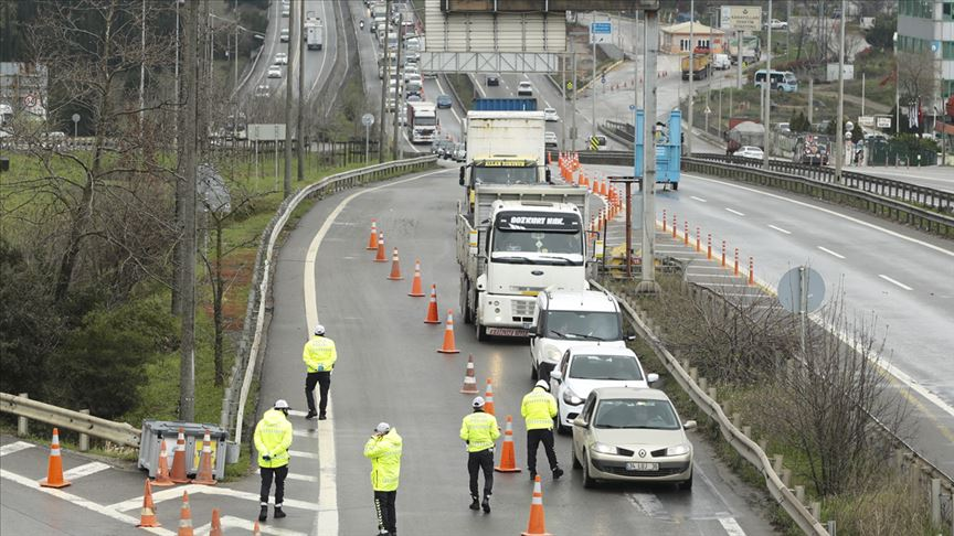 Vali Yerlikaya, İstanbul'a giriş çıkışlara getirilen düzenlemeleri açıkladı