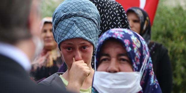 Valinin sözleri Ayşenur'u gözyaşlarına boğdu