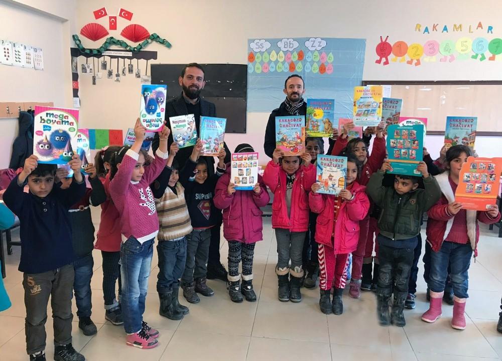 Van Büyükşehir Belediyesi minik öğrencileri unutmadı