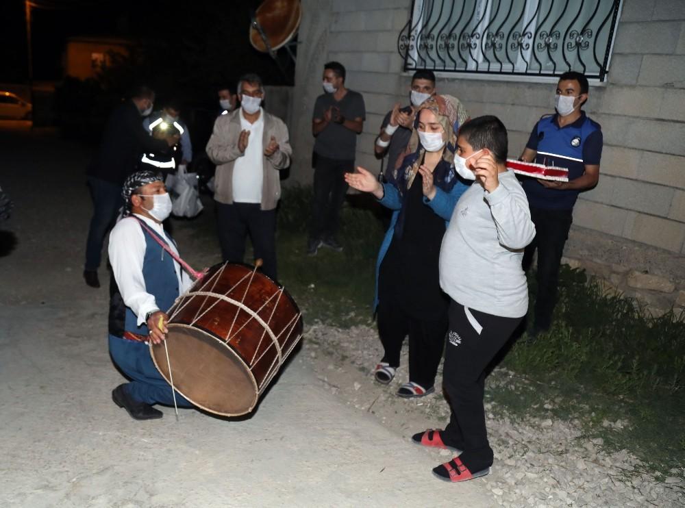Van Büyükşehir Belediyesi otizmli Özcan'ın dileğini gerçekleştirdi
