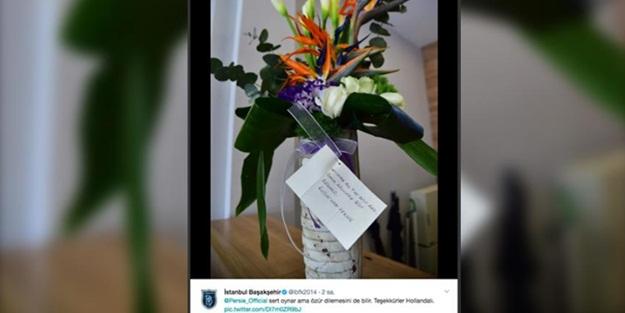 Van Persie'den 'özür çiçeği'