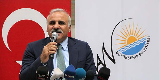 Van Valisi Zorluoğlu, PKK yandaşı HDP'ye: Hizmetlerimizden rahatsız oluyorlar