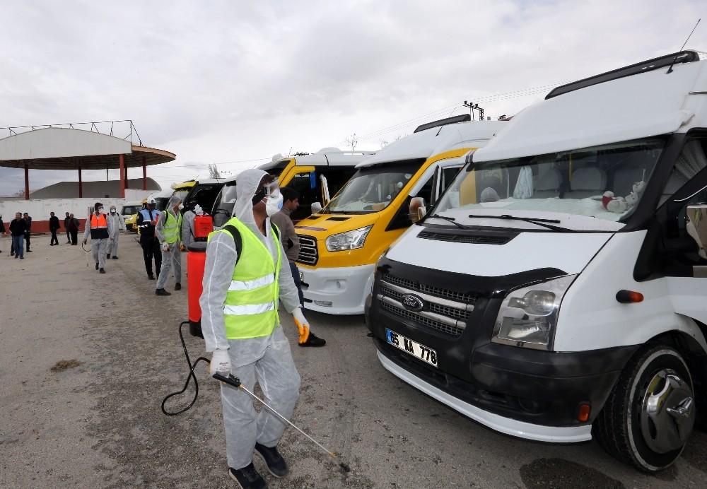 Van'da minibüs ve taksiler dezenfekte edildi