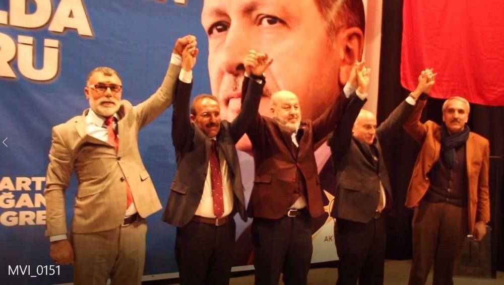 Varto'da AK Parti ilçe başkanlığı seçimi için üç aday yarıştı