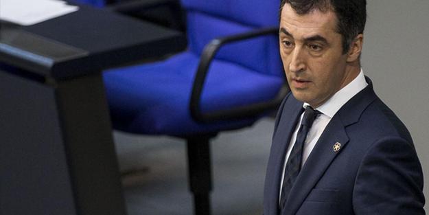 Vatan haini Cem Özdemir, ağzındaki baklayı çıkardı: Türkiye'yi IMF'ye muhtaç edelim