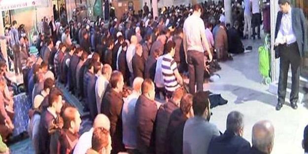 Vatandaşlar Eyüp Sultan'a akın etti